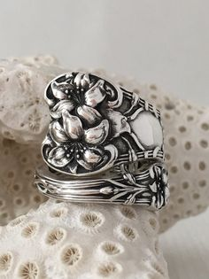 Size 9 Vintage Sterling Silver Floral Spoon Ring