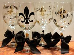saints glasses! That's my kind of tailgating!!!!