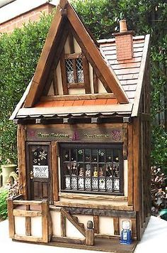 (CAN POST) Santa's sweet shop complete with contents Tudor Dolls House 1:12 OOAK
