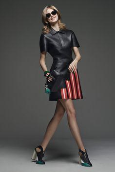 Fendi Pre-Fall 2015 Runway – Vogue (Photo: Courtesy of Fendi) Fashion Week, Runway Fashion, High Fashion, Fashion Show, Fashion Design, Fashion Trends, Fashion 2015, Mod Fashion, Style Fashion