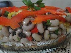 Kuru Börülce Salatası Malzemeler; 2 su bardağı kuru börülce 1 çay bardağı haşlanmış mısır 2 - 3 adet közlenmiş kırmızı biber Bir k...