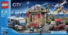 Lego City Museum Break in.. http://www.lego.gen.tr/lego-city-museum-break-in/ Şimdiye kadar gördüğün en güçlü silahlara bile karşı koymuş, düşmanlara, hırsızlara meydan okumuş bir kurtarıcı ekiple birliktesin. İşte karşında Lego City Museum Break in. Hırsızlar kaçmadan yetiş! Hiçbir hırsıza geçit vermeyecek özel donanımı oluştur ve suçlulara izin verme. Müzedeki değerli tablo ve tarihi eserleri çalmak istiyorlar. Yüksek siren sesleri ile olay yerinde ilk senin ekibin olsun.