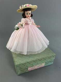 MADAME ALEXANDER CISSETTE BRIDESMAID #741-1959, ALL ORIGINAL AND MINT, COMES IN ORIGINAL BOX (STAINED).