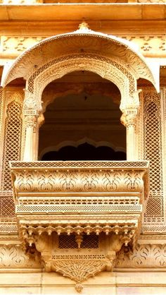A beautifully carved jharokha (balconies) at the Patwon ki Haveli. One of the largest havelis in Rajasthan, Patwon ki Haveli is a cluster of five small havelis. Started by Guman Chand Patwa, a wealthy banker. Indian Temple Architecture, Mughal Architecture, Ancient Architecture, Beautiful Architecture, Art And Architecture, Jaisalmer, Temple India, Windows, Incredible India