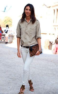 Street Style I Geraldine Saglio: neutral / beige button-down Shirt x belt x White Jeans x lace-up sandals x Leopard printed bag Emmanuelle Alt, Casual Chic, Parisienne Chic, Paris Mode, Weekly Outfits, Street Style, Looks Style, Parisian Style, Her Style
