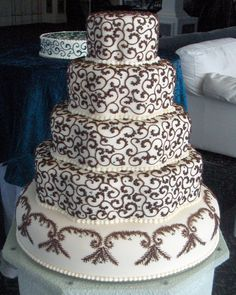 CAKE ONE HUNDRED FIFTY FIVE, Wedding Cakes by Dawna, LLC