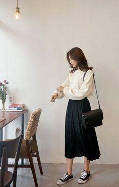 Korean Girl Fashion, Korean Fashion Trends, Korean Street Fashion, Look Fashion, Asian Fashion Style, Mens Fashion, Long Skirt Fashion, Long Skirt Outfits, Modest Fashion