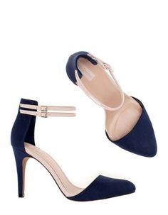 Mid-heel shoes with ankle strap//