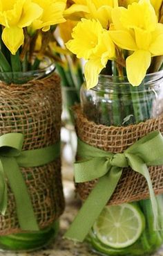 Vintage Wedding Centerpieces | ... wedding ideas - Daffodil wedding | Budget Brides Guide : A Wedding