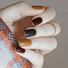 53 Amazing Nail Designs Ideas for Short Nails to Try – Juuuch. Those nails are slay – short nails Neutral Nail Polish, Fall Nail Polish, Autumn Nails, Nail Polish Colors, Simple Fall Nails, Cute Nails For Fall, Nails Design Autumn, Nail Polish Trends, Gel Polish