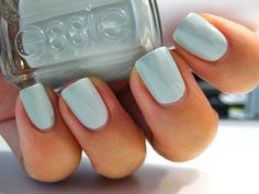 Essie's Who is the Boss // this looks really awesome on. trying this one again soon! (i messed up my nails last night and went back to my usual neutral.)