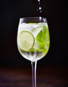 Martini Royale | Drinks Recipes | Drinks Tube. Looks like a refreshing drink