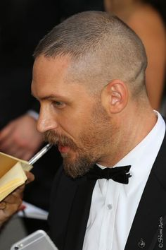 Tom Hardy - Mad Max: Fury Road Premiere - annual Cannes Film Festival - May 2015 (France) Gala - Tom Hardy Mad Max, Tom Hardy Hot, Tom Hardy Haircut, Haircuts For Balding Men, Tom Hardy Variations, Buzz Cut Hairstyles, Beard Styles, Hair Styles, Bald Fade