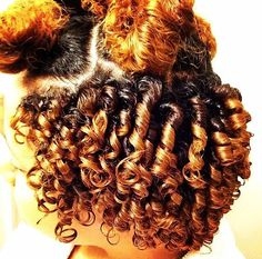 http://www.shorthaircutsforblackwomen.com/colored-natural-hair/ Cute Finger coils! Sexy natural hairstyles for kinky curly hair!