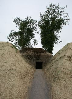 Groepsschuilplaats, groupshelter between earth depots @ Fort Asperen,by bunkerQ