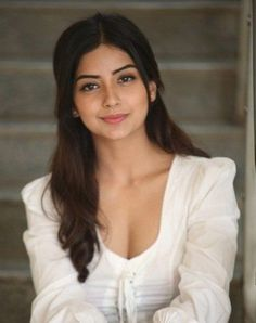 Image may contain: 1 person, closeup Deepika Padukone Style, Indian Actress Gallery, Stylish Girl Images, Beautiful Girl Photo, Brunette Beauty, Most Beautiful Indian Actress, Indian Celebrities, Beauty Full Girl, Hot Actresses