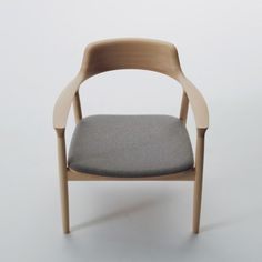Maruni Japan, HIroshima chair, by Naoto Fukasawa. Porportions, comfort, fine finish on wood feels like glass. Dinning Chairs, Table And Chairs, Wood Furniture, Furniture Design, Furniture Upholstery, Muebles Art Deco, Chair Design Wooden, Japanese Furniture, Built In Bookcase