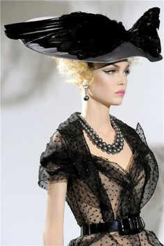 Christian Dior Haute Couture - Autumn/Winter ....not sure if it is a current look...but if it is it sure is vintage inspired !