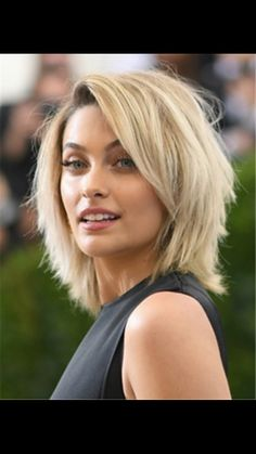 Insane Paris Jackson Shag – Paris Jackson looked oh-so-hip with her shag at the 2017 Met Gala. The post Paris Jackson Shag – Paris Jackson looked oh-so-hip with her shag at the 2017 Me… app . Straight Hairstyles, Cool Hairstyles, Layered Hairstyles, Hairdos, Medium Shag Hairstyles, Hairstyle Ideas, Medium Hair Styles, Short Hair Styles, Paris Jackson