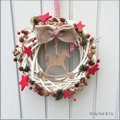 ☆ Country house from Euli & Co on DaWanda. Simple Christmas, Winter Christmas, Handmade Christmas, Christmas Time, Christmas Crafts, Xmas, Christmas Ornaments, Christmas Door Wreaths, Christmas Decorations