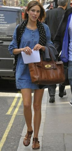 Alexa Chung wearing Mulberry Bayswater. Alexa Chung Out and about 2009.