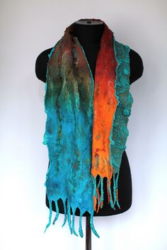 Two of my fave colors and love them together...what a cool scarf idea!