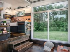 We have come across some very cool tiny houses over the years, but until now nothing beats the Alpha Tiny House by New Frontier Tiny Homes. Where could they possibly go from there? Well, the answer is the Escher Tiny House, a model that´s bigger, pri