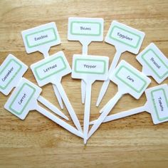 Free Printable Vegetable Plant Markers Make your plant markers for your vegetable garden with this free printable An easy DIY garden project you can do with kids Growing Carrots, Growing Tomatoes, Diy Garden Projects, Diy Sewing Projects, Sewing Crafts, Sewing Tutorials, Tomato Garden, Tomato Plants, Organic Gardening