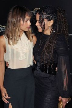 28 Outfits That Prove I'm Right to Be Obsessed With Zoë Kravitz Zoe Kravitz Style: In Black Feather Dress at Oscars Party with Lisa Bonet 28 Outfits That Prove I'm Right to Be Obsessed With Zoë Kravitz Zoe Krav My Black Is Beautiful, Beautiful People, Beautiful Family, Hard Rock, Zoe Kravitz Style, Lisa Bonet, Daughter Love, Mother Daughters, The Jacksons
