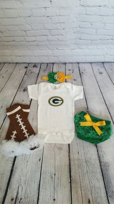 Green Bay Packers baby outfit - football leg warmers - Green Bay onesie - Packers headband