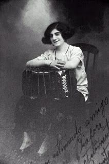 Paquita Bernardo - Bandoneon
