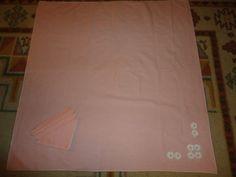 Vintage Pink Cotton Center Cloth w/ 4 Napkins. Daisy Motif In Corner On Cloth