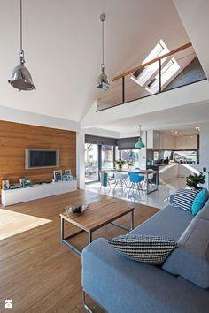 DOSKONAŁY 3 - realizacja projektu - Średni salon z kuchnią z jadalnią z tarasem / balkonem z antresolą, styl skandynawski - zdjęcie od DOMY Z WIZJĄ - nowoczesne projekty domów
