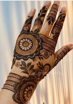 Bridal Mehndi or Henna Designs for Full Hands Henna Hand Designs, Mehndi Designs Finger, Latest Bridal Mehndi Designs, Floral Henna Designs, Latest Arabic Mehndi Designs, Full Hand Mehndi Designs, Mehndi Designs For Girls, Mehndi Designs For Beginners, Modern Mehndi Designs