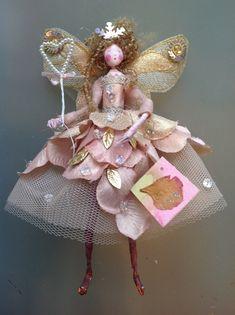 Christmas Fairy, Handmade Christmas, Christmas Crafts, Christmas Ornaments, Fairy Crafts, Doll Crafts, Felt Fairy, Vintage Fairies, Clothespin Dolls