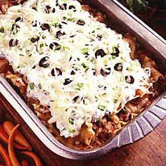 Easy Mexican Lasagna Recipe- Recipes This lasagna is quick and easy to prepare, and leaves me plenty of time to feed our horses, goats and other animals while it's in the oven. Mexican Lasagna Recipes, Mexican Dishes, Beef Recipes, Dinner Recipes, Cooking Recipes, Mexican Lasagne, Pasta Recipes, Cooking Tips, Dinner Ideas
