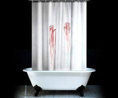 Horreur assurée avec ce rideau de douche ensanglanté.