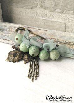 Купить Брошь булавка с кораллами. Мятная - булавка листья из ткани, недорогие украшения