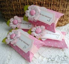 Imaginisce Valentine Pillow Boxes by - Cards and Paper Crafts at Splitcoaststampers PILLOW BOX Wrapping Ideas, Gift Wrapping, Diy And Crafts, Paper Crafts, Cute Pillows, Pillow Box, Diy Box, Paper Flowers, Gift Tags