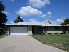 3446 Pontiac Pl, Rockford, IL 61101 - Zillow