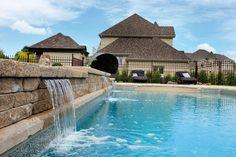 Découvrez notre vaste sélection de piscines creusées sur notre site internet: http://www.trevi.com/creusees/index.html