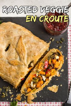 This veggie en croute is the perfect festive vegetarian dish for your Christmas dinner table - filled with sweet roasted veggies, salty feta cheese, and crunchy pumpkin seeds! Vegetarian Tart, Vegetarian Entrees, Vegetarian Recipes Easy, Vegetable Recipes, Vegetarian Roast Dinner, Veggie Dinner, Vegan Meals, Healthy Recipes, Vegetarian Christmas Recipes