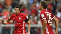 Trifft FCB-Stürmer Robert Lewandowski auch gegen Schalke 04? Am ersten Spieltag gegen Werder Bremen erzielte der Pole bereits drei Tore.