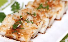 Turnip cake, also known as radish cake or lo bak gou, is a savory steamed traditional Cantonese snack often found in Chinese dim sum restaurants. Vegan Foods, Vegan Snacks, Vegan Dishes, Vegan Recipes Plant Based, Vegetarian Recipes, Snack Recipes, Seafood Recipes, Diet Recipes, Cake Recipes