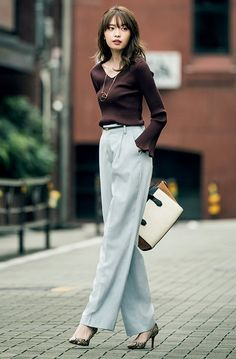 Superior Casual Outfits It is important for you to The police officer This Saturday and sunday. Get inspired using these. Office Fashion, Work Fashion, Curvy Fashion, Asian Fashion, Fashion Pants, Fashion Outfits, Womens Fashion, Fashion Trends, High Street Fashion