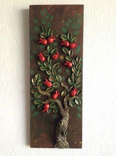 Clay Wall Art, Mural Wall Art, Bottle Art, Bottle Crafts, Diy Arts And Crafts, Creative Crafts, Housewarming Decorations, Clay Art Projects, Clay Tiles