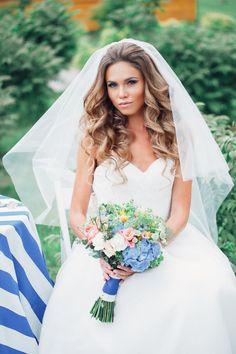 Свадебные прически с челкой и фатой   hairwiki.ru