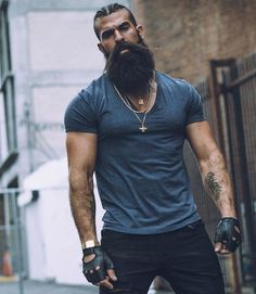 The Ultimate Guide To Beard Growth Stages Badass Beard, Sexy Beard, Long Beard Styles, Hair And Beard Styles, Great Beards, Awesome Beards, Beard Growth Stages, Beard Growth Tips, New Beard Style