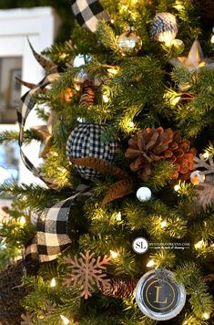 Rustic Plaid Christmas Tree Ornaments #michaelsmakers