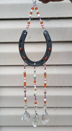 Horseshoe Wreath, Beaded Horseshoe, Horseshoe Crafts, Horseshoe Art, Glass Bead Crafts, Glass Beads, Melted Pony Beads, Sun Catchers, Craft Projects For Adults